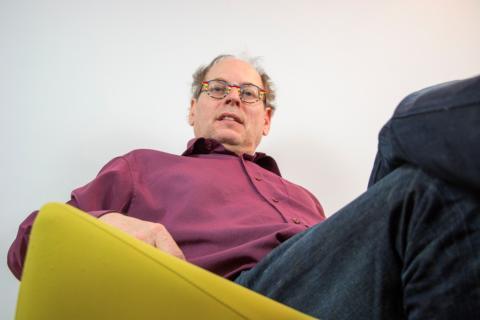 Johannes BlonK in groene stoel 2018