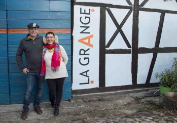Eliane MENGUS & Johannes BLONK devant La GrAnge en 2018